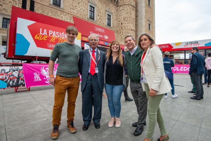 García-Page trabajará para que 'La Vuelta' vuelva a Castilla-La Mancha el próximo año por ser un revulsivo turístico y deportivo