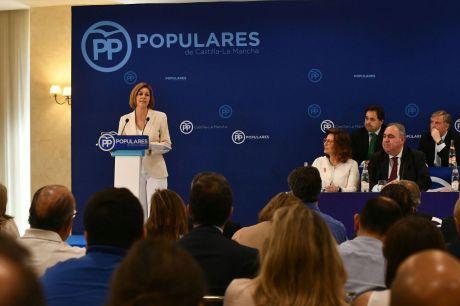 Cospedal anuncia su candidatura para ser la primera mujer que presida el PP