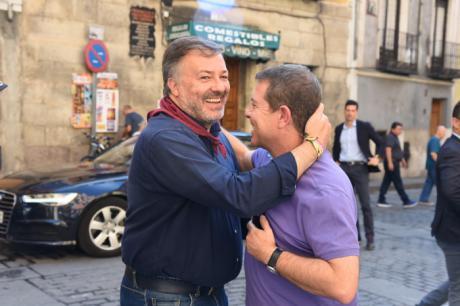 García-Page mantiene una reunión de trabajo con el alcalde de Cuenca, Darío Dolz
