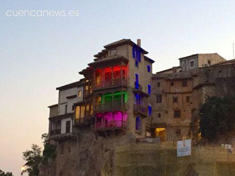 Las Casas Colgadas se iluminarán con los colores del arcoíris con motivo de la celebración del 'Día del Orgullo LGTBI'