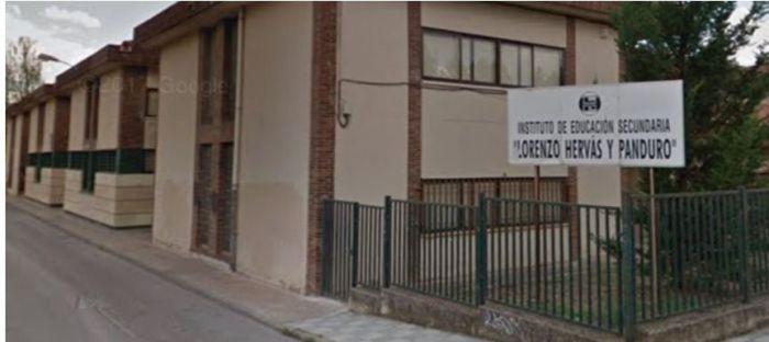 El PP insiste en que Page ha recortado un grupo de Primero de Bachillerato del Hervás y advierte que sigue habiendo ratios ilegales en muchos centros de Cuenca