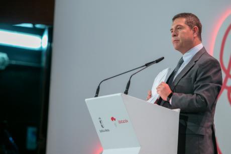 García-Page anuncia una nueva OPE docente de 716 plazas y la reducción de las ratios escolares en 4º, 5º y 6º de Primaria para el próximo curso