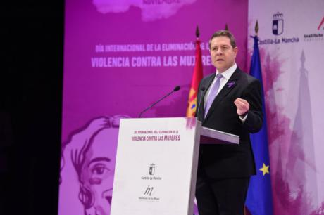 """García-Page reivindica """"la vida frente a cualquier ideología política"""" y recuerda que Castilla-La Mancha ha sido pionera en la protección de los menores huérfanos a causa de la violencia machista"""