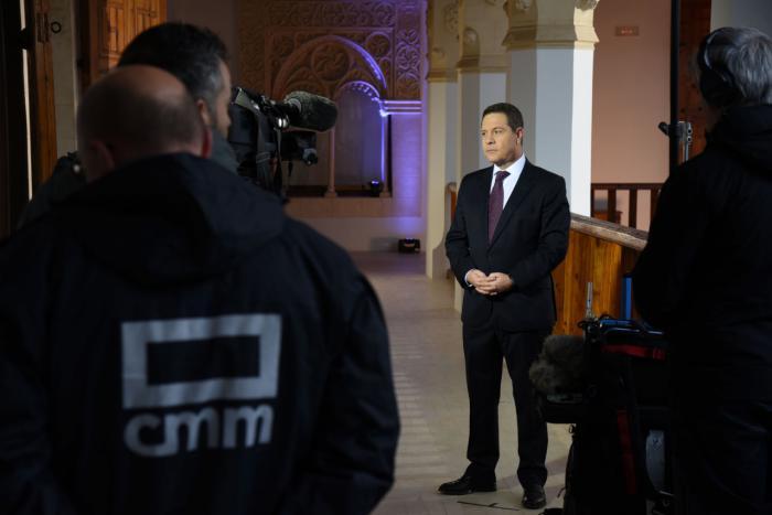 El presidente de Castilla-La Mancha, Emiliano García-Page, durante la grabación de su mensaje de Año Nuevo