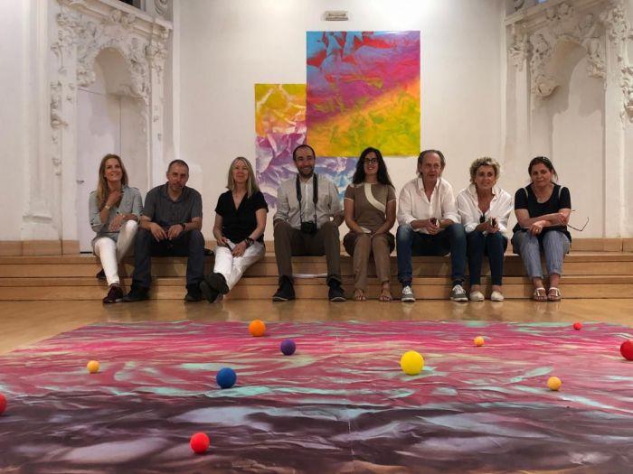 La comisaria de la exposición de Bill Viola, visita Cuenca para ultimar detalles del montaje de la muestra
