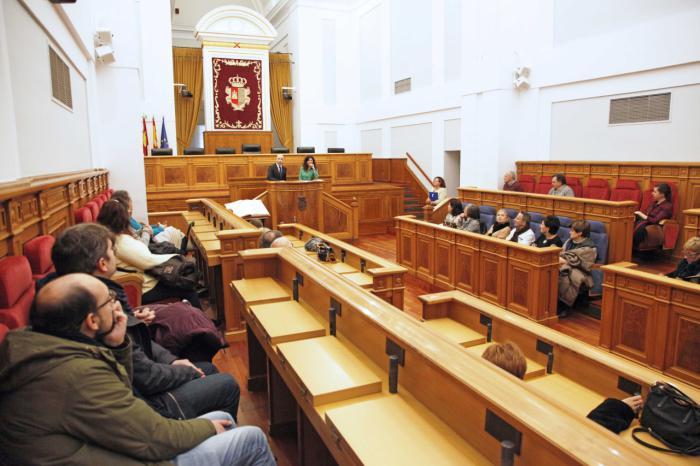 La ciudadanía vuelve a responder a la propuesta de las Cortes regionales para conocer su sede