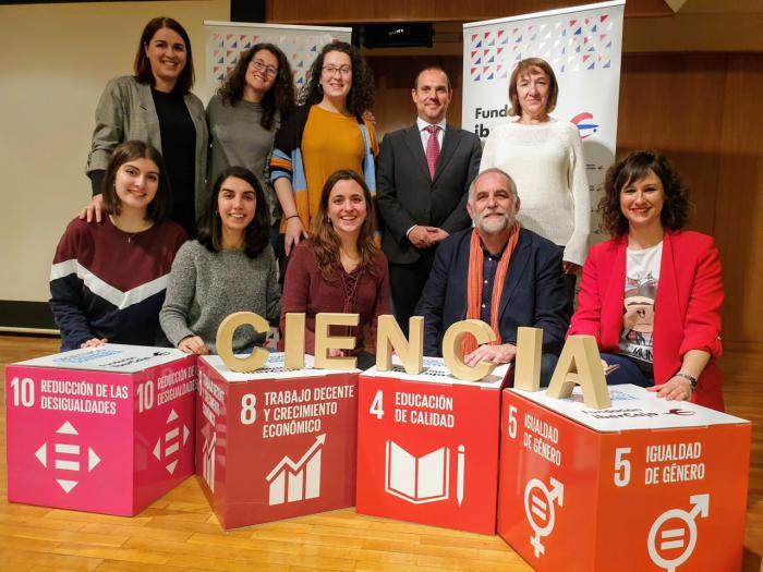 """El presidente de las Cortes aboga por fomentar las vocaciones científicas entre niñas y jóvenes para """"romper la brecha de género y aprovechar la inteligencia de toda la población"""""""