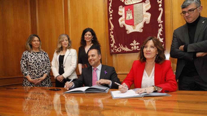 """Las Cortes regionales impulsan un Plan de Igualdad que pretende ser """"ejemplo"""" para la sociedad castellano-manchega"""