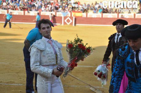 'El Gallo' corta una oreja en la tarde de su alternativa en la Feria Taurina de San Julián