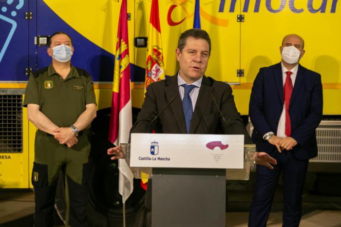 El presidente de Castilla-La Mancha, Emiliano García-Page, visita las instalaciones del Centro Operativo Provincial (COP) de prevención de incendios de la provincia de Cuenca.