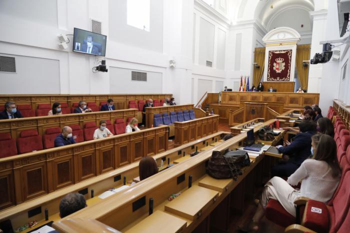 La Ley de Medidas Urgentes inicia su debate en las Cortes regionales
