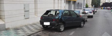 Dos conductores que dan positivo en alcohol provocan dos accidentes en la capital