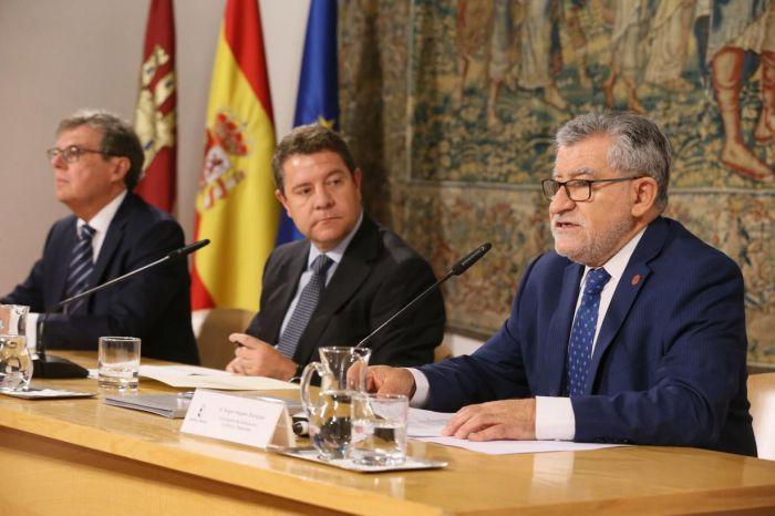 Junta y UCLM firman el convenio de financiación plurianual para el período 2018-2021