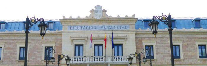 Cruce de acusaciones entre la Diputación y los Bomberos por el régimen laboral