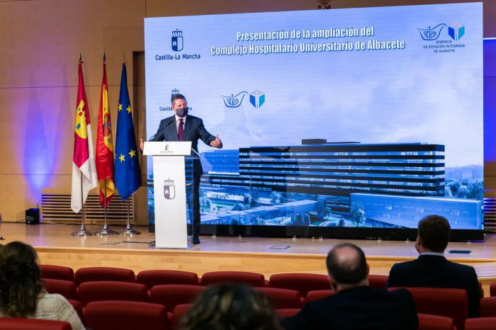 García-Page garantiza el cumplimiento del plan de vacunación contra el COVID con especial atención a los centros sociosanitarios