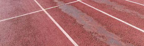 Se aprueban las proyectos de remodelación de la pista de atletismo del Luis Ocaña y el césped de Obispo Laplana
