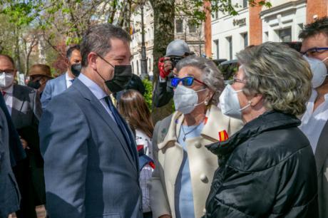 """García-Page anuncia en Cuenca que la región arranca hoy la vacunación """"masiva pero controlada"""" de la población de entre 56 y 65 años"""