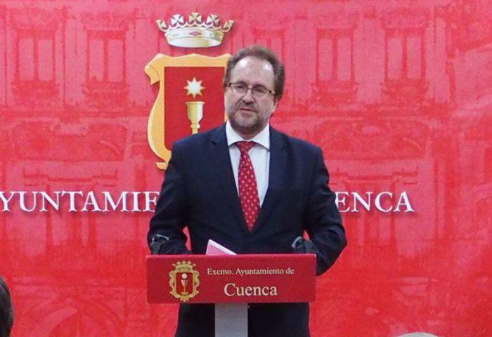 Huete lamenta la falta de lealtad institucional y rigor de Guijarro y Godoy al romper el funcionamiento de la mesa de trabajo en relación con la conexión del hospital y otros temas que afectan a la Ciudad