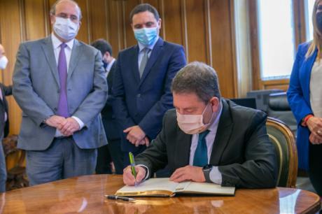"""García-Page se felicita por el consenso alcanzado por todas las instituciones para que en Cuenca """"se estén moviendo muchas cosas"""""""