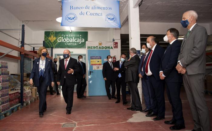 La reina Sofía visita el Banco de Alimentos de Cuenca