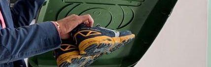 Se abre una campaña de recogida de zapatillas de deporte usadas, destinadas a familias nómadas de Marruecos