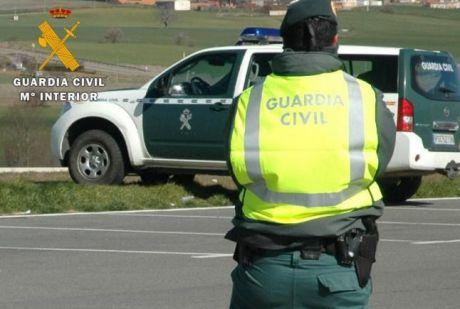La Guardia Civil investiga a tres personas por delito contra la seguridad del tráfico