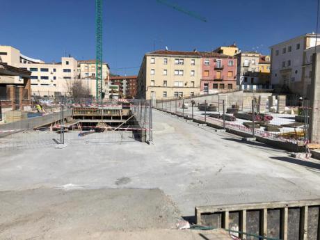 Las obras del futuro parking de Astrana Marín modifican provisionalmente los accesos a la Comisaría Provincial