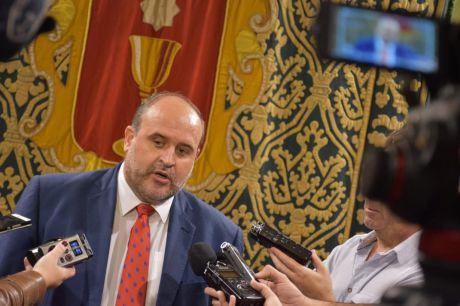 Martínez Guijarro considera 'un error inaceptable' que el Ayuntamiento quiera 'volver a la casilla de salida' en el proyecto de los ascensores
