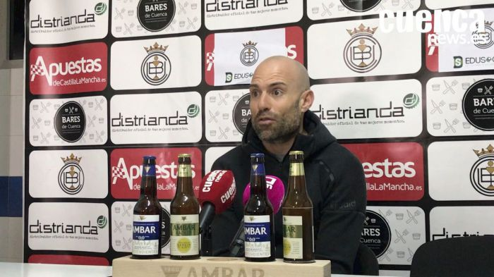 En imagen Cesar Lainez, entrenador de la Unión Balompédica