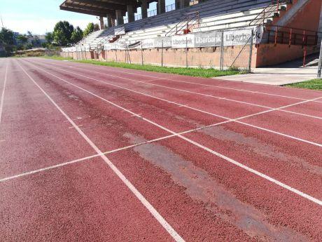 Aprobada la licitación de la pista de atletismo del Luis Ocaña y del césped de Obispo Laplana
