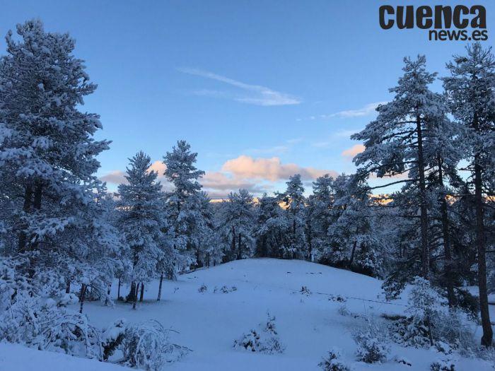 El temporal 'Helena' «viste» la Serranía de nieve