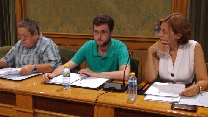 Izquierda Unida plantea medidas para garantizar la calidad del empleo desde el Ayuntamiento.