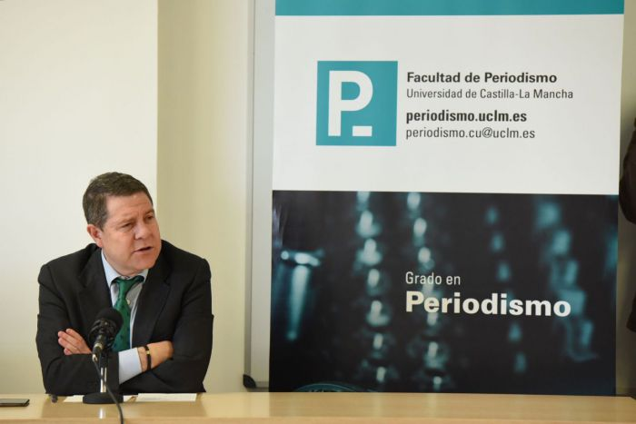 El presidente de Castilla-La Mancha, Emiliano García-Page este lunes en la Facultad de Periodismo de la UCLM