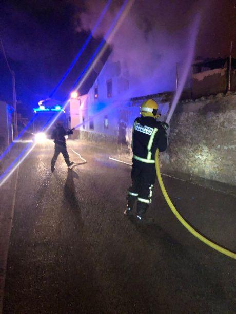 Incendio de una vivienda en Villar del Saz de Navalón