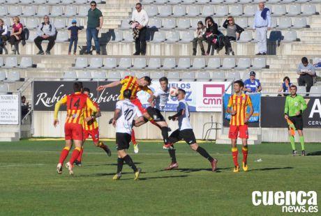 El Lleida venció 1-2 en casa del Conquense