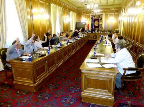Los grupos políticos con representación en la Diputación se despiden