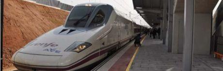Ayuntamiento y Renfe firman un convenio para la promoción turística de Cuenca y del transporte por ferrocarril