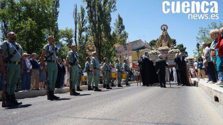 Conquenses y militares acompañan a la Virgen de la Luz por las calles de la capital