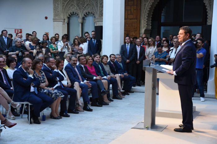 García-Page valora un gobierno que une cambio y experiencia y al que pide sencillez