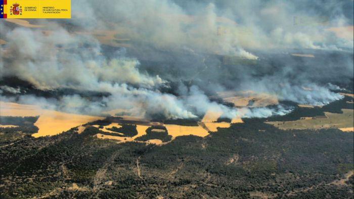 El incendio de Barchín del Hoyo sigue activo tras afectar 2.000 hectáreas