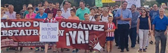 Marcha reivindicativa para salvar el Palacio de los Gosálvez