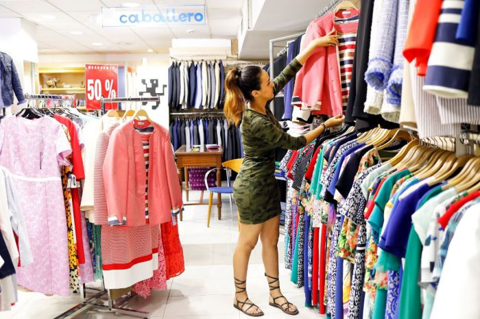 Rechazan las aperturas de comercios en domingos y festivos aprobadas por la Junta para 2020