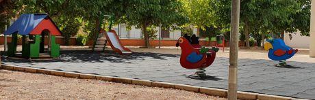 La Junta de Gobierno Local aprueba la licitación del contrato para el mantenimiento de parques infantiles
