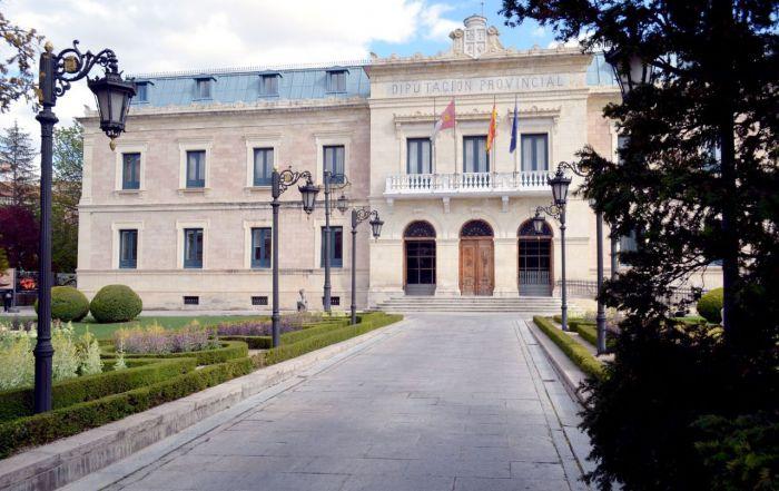 Diputación concede ayudas por valor de 60.000 euros a las Asociaciones de Mayores de la provincia