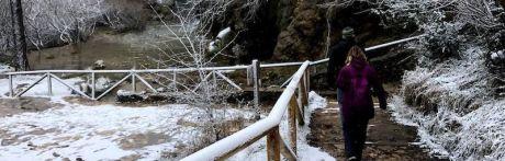 Cascadas invernales en el nacimiento del río Cuervo
