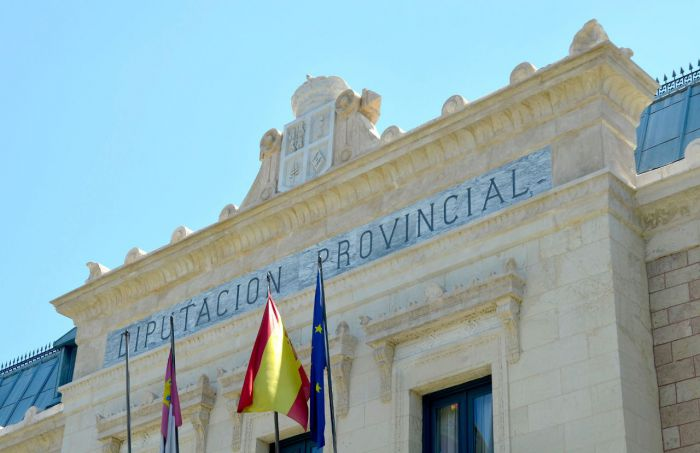 Los Bomberos le piden a la Diputación que los equipare con resto de personal de la institución