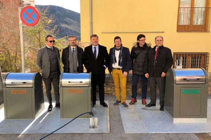 10 años después vuelven a funcionar los contenedores soterrados de Obispo Valero, Plaza Mayor, Moralejos y Fray Luis de León
