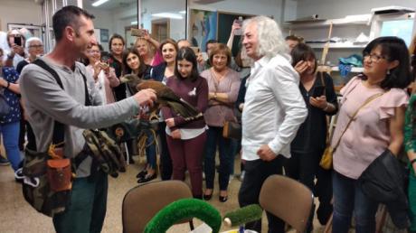Emilio Morales y sus alumnos celebran sus 40 años como pintor reconocido