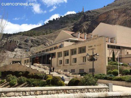 El Teatro Auditorio de Cuenca acoge la exposición de economía circular ´Castilla-La Mancha en la senda de la transición´