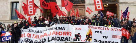 Los Bomberos de la provincia exigen a la Diputación equiparación con el resto de trabajadores de la institución